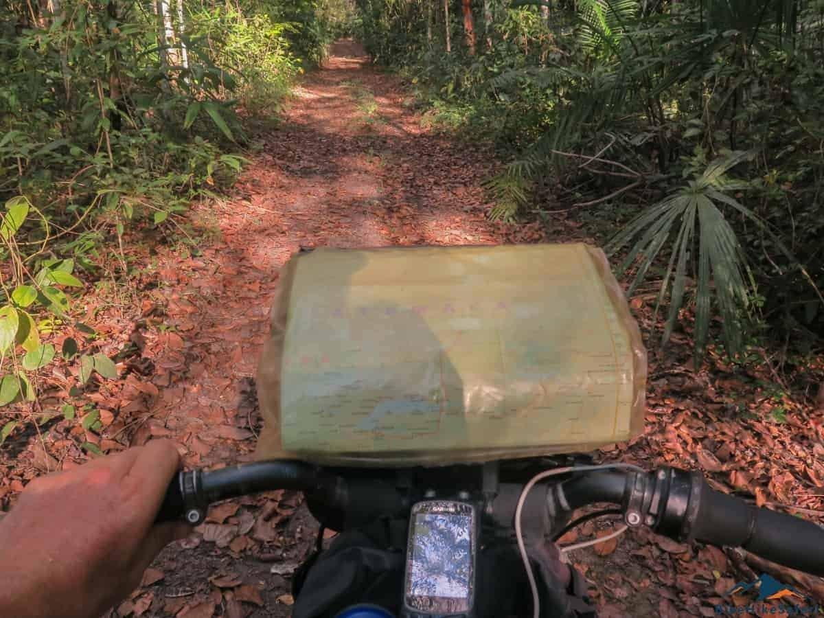 Cycling on the El Zotz Tikal Trek