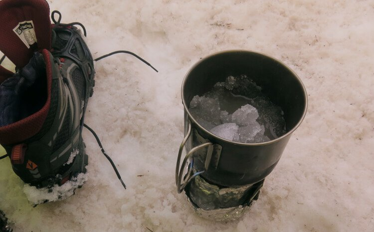 Gear Testing Titanium Pots in Winter conditions melting snow